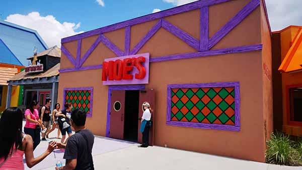 the-simpsons-moes-universal-studios-florida-exterior